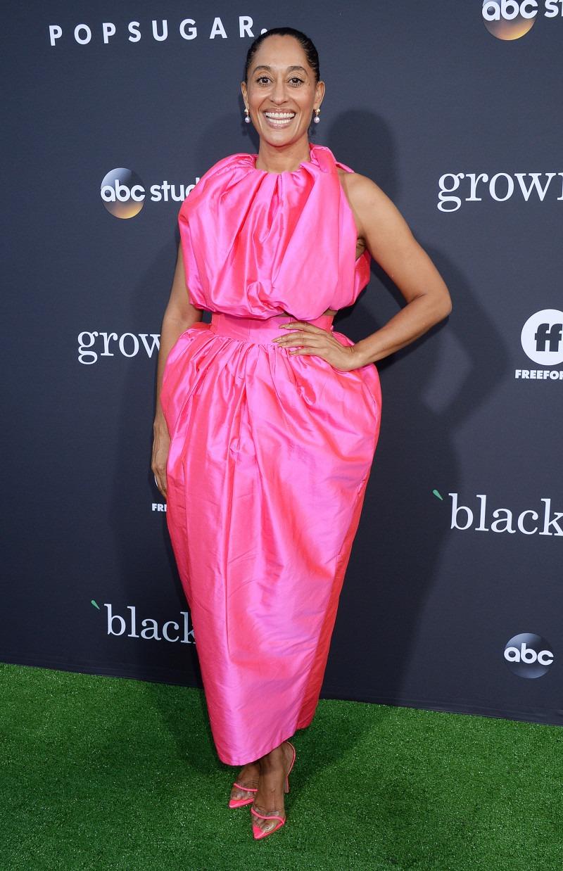 Трэйси Эллис Росс в ярком платье