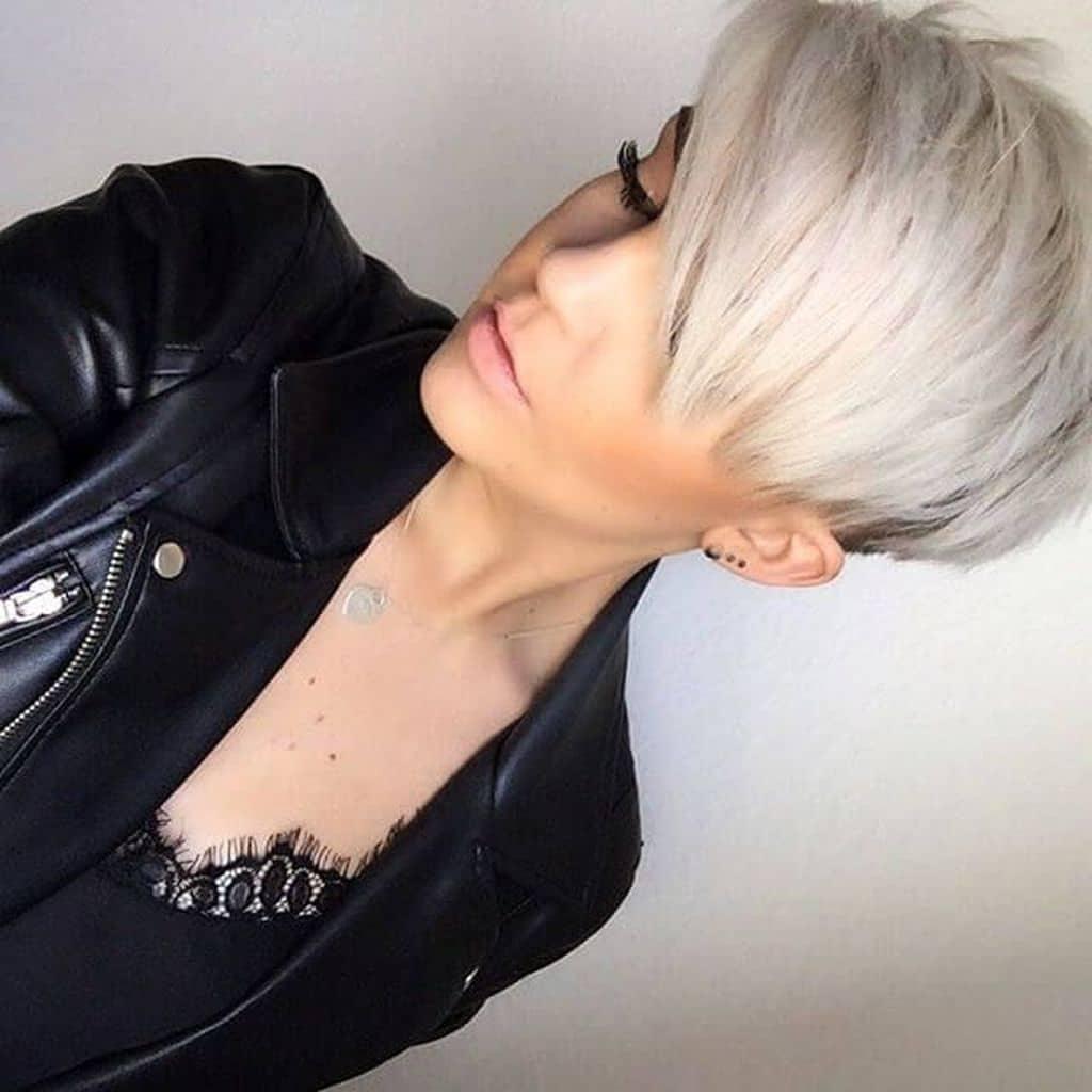 Современная стрижка на короткие волосы