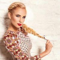 5 популярных причесок с косичками на средние волосы