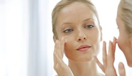 Как правильно очищать кожу в домашних условиях?