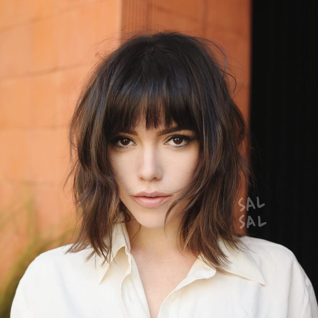 Короткая стрижка на средние волосы
