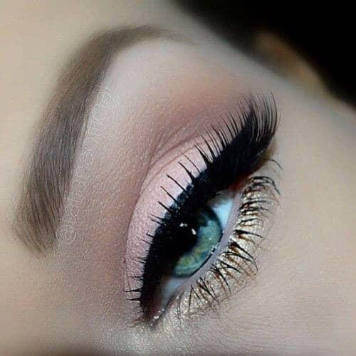 Нежно розовый макияж глаз