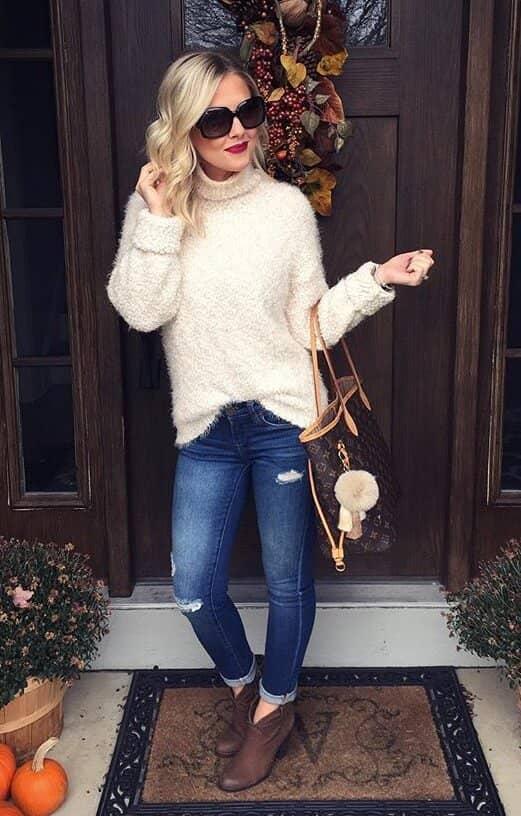 модный лук на осень Свитер с высоким воротом тоже в моде