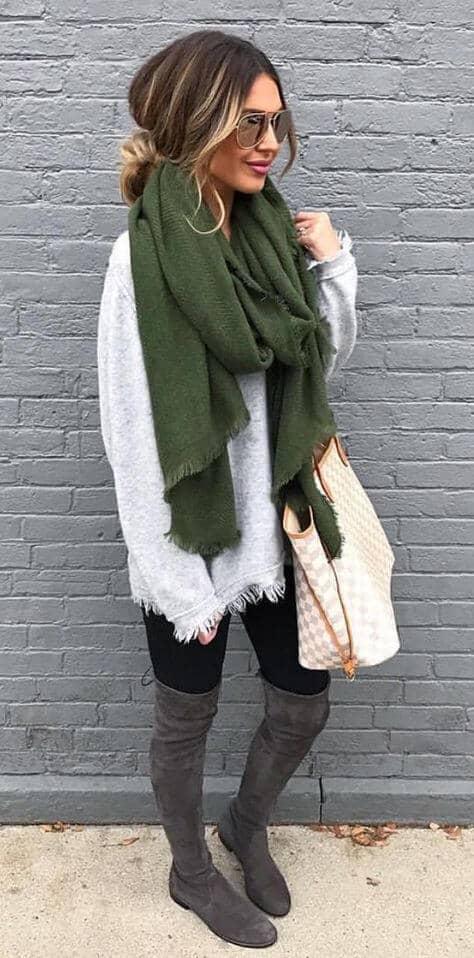 модный лук на осень Объемный шарфы и одежда