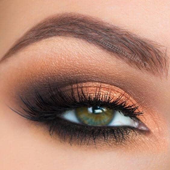 Кремовый макияж глаз