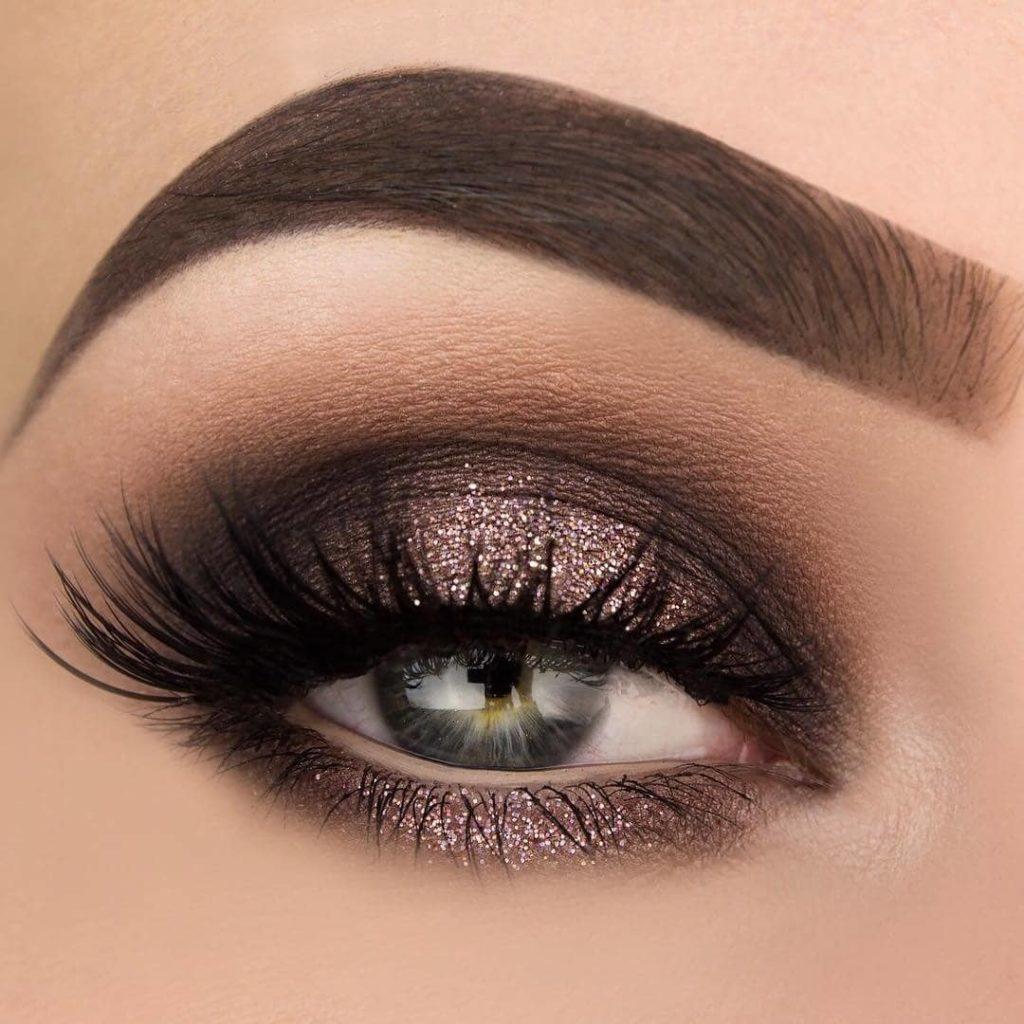 Вечерний макияж глаз цвета шампанского
