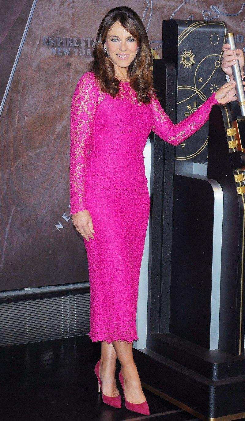 Элизабет Херли в стильном платье