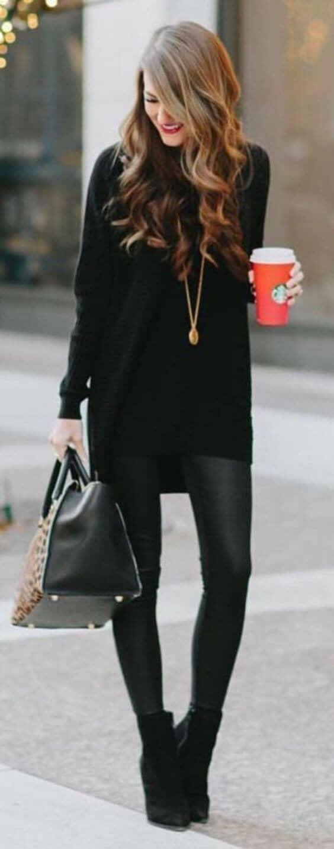 Черные леггинсы и свободный свитер