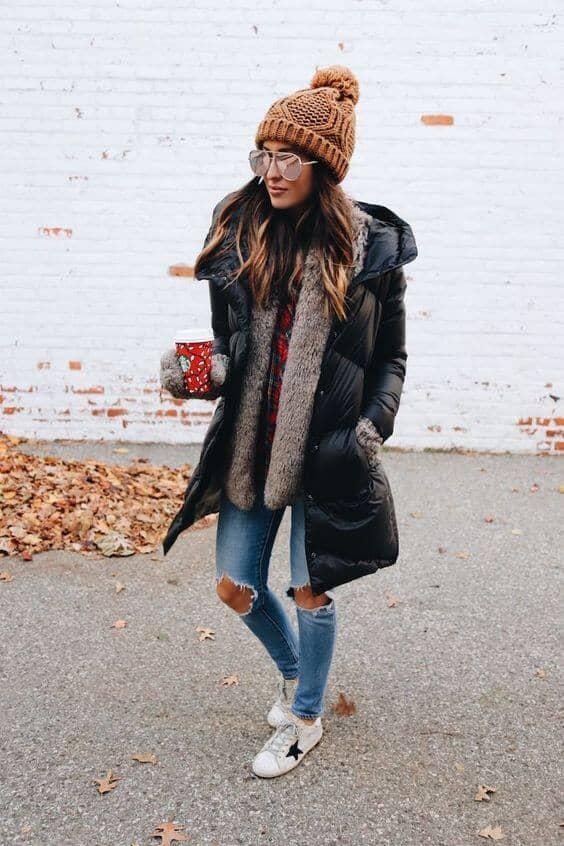 Стильное черное пуховое пальто на зиму