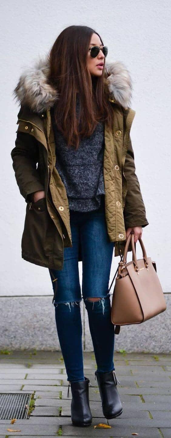Темно-зеленое зимнее пальто