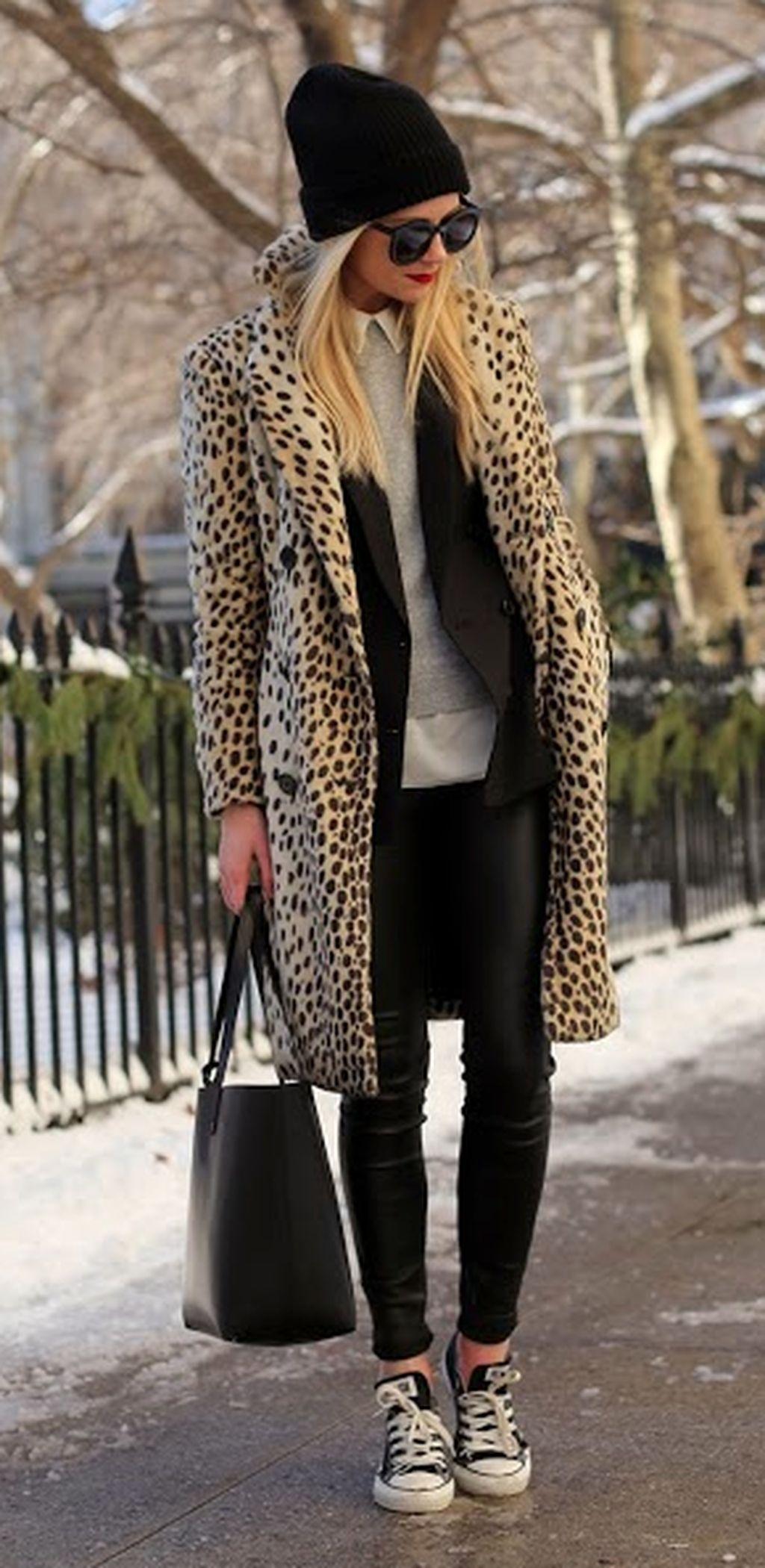 Зимнее леопардовое пальто