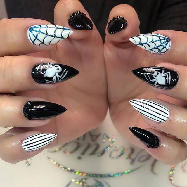 Дизайн ногтей с пауками на Хэллоуин