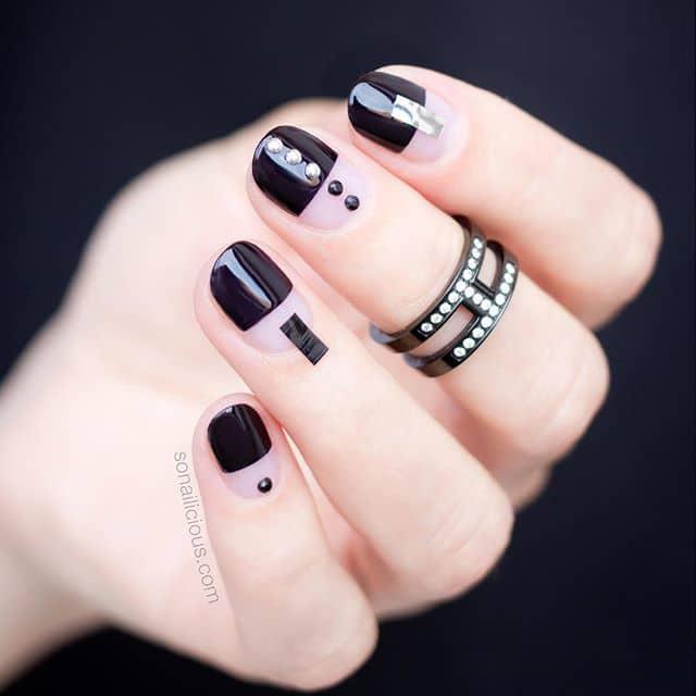Минималистичный маникюр на короткие ногти фото
