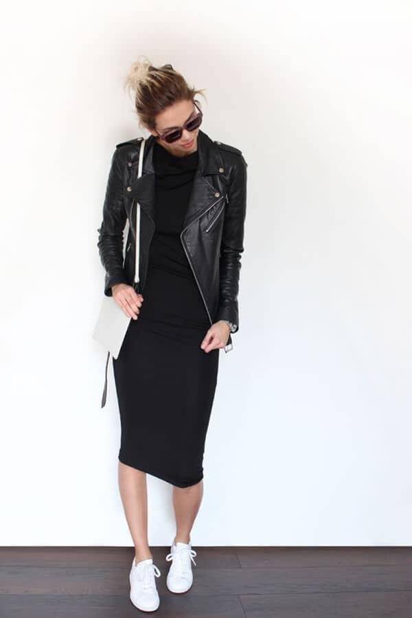 Черное узкое платье и кожаная куртка