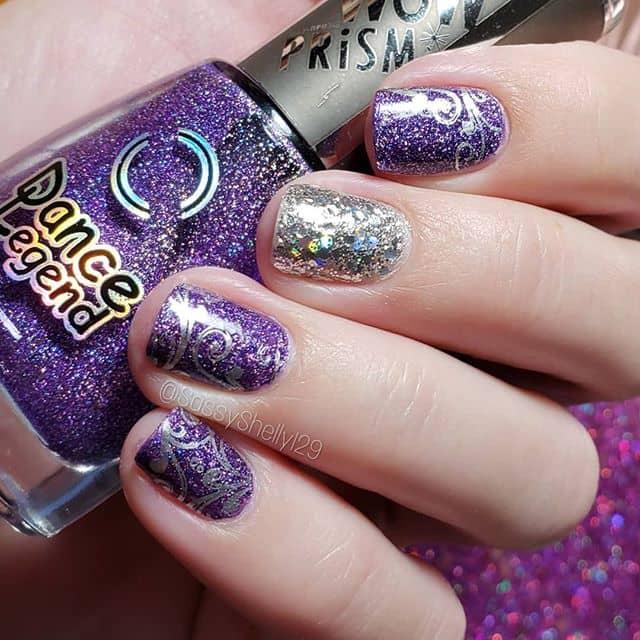 Фиолетвый маникюр с глиттером на короткие ногти фото