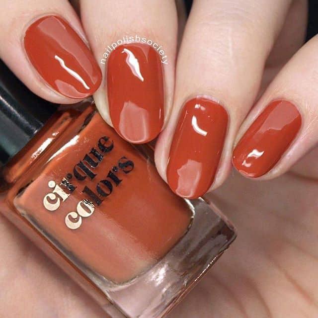 Оранжевый маникюр на короткие ногти фото