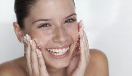Коралловый пилинг для глубокой чистки кожи лица