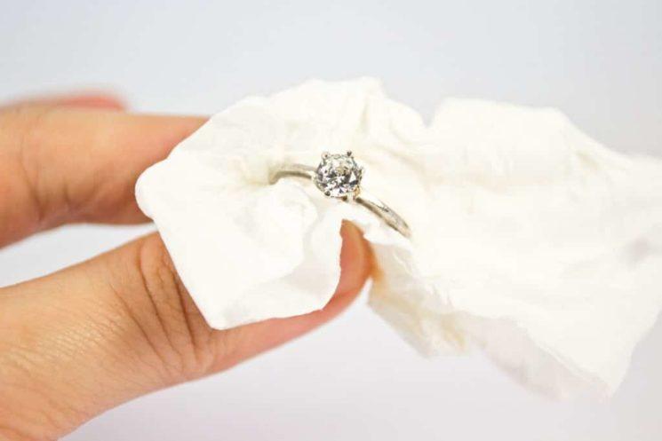 Чистим серебро в домашних условиях: практические советы