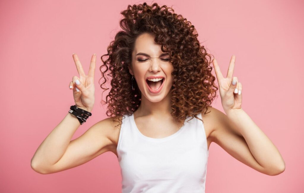 Секреты ухода за кудрявыми волосами